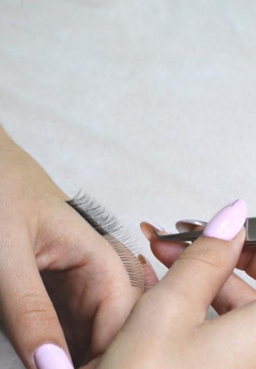 Сколько зарабатывают на наращивании ресниц и как стать мастером: простые и понятные рекомендации новичкам, особенности ремесла и выбор профессии